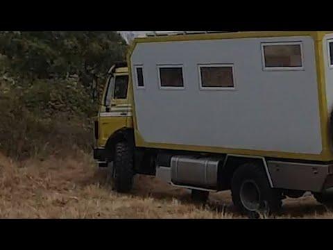 LKW Achsverschränkung beim Einparken im Gelände