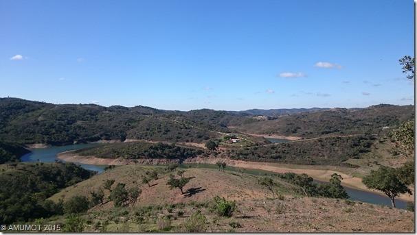 Blick über den Alentejo und Santa Clara Stausee