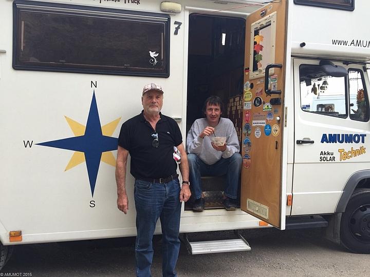 Unterwegs treffen wir auf Gitta und Horst, die auch gerade auf dem Weg nach Portugal sind.
