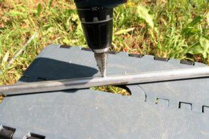11 oder 9 mm Loch in den 15mm Querträger bohren