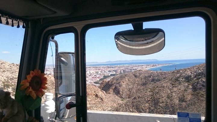 Almeria von der Autobahn