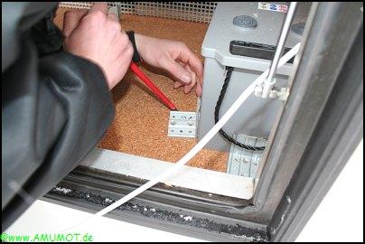 ausbau der alten Wohnmobil Batterie