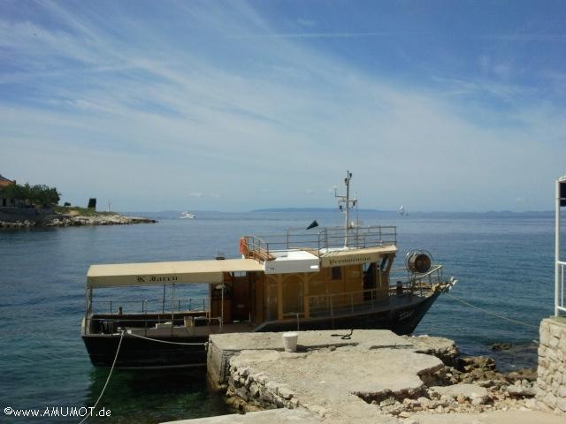 Lun Hafen mit boot