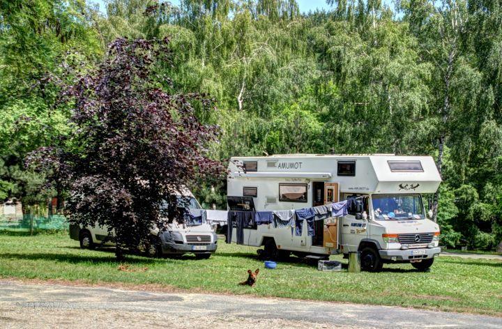 Wäsche waschen auf dem Campingplatz in Polen