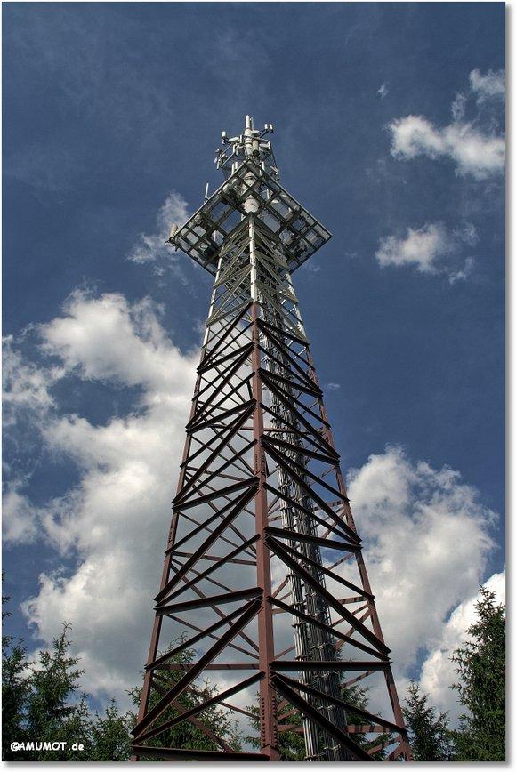 Funkturm auf dem Berg