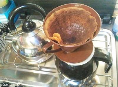von Hand aufgegossener Kaffee