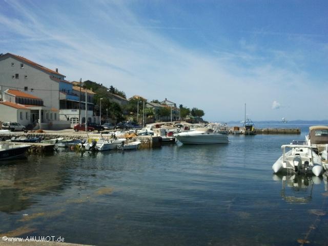 Hafen von Lun auf Pag