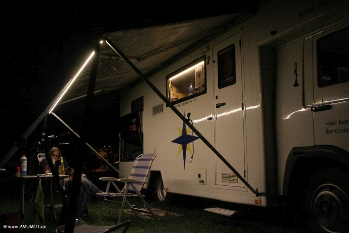 LED Lichtband an der Markise vom Wohnmobil
