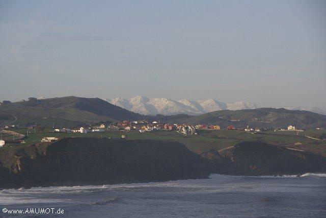 schneebedeckte berge picos de europa