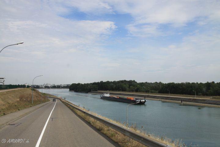 Ich verlasse Deutschland - Grenze Rhein