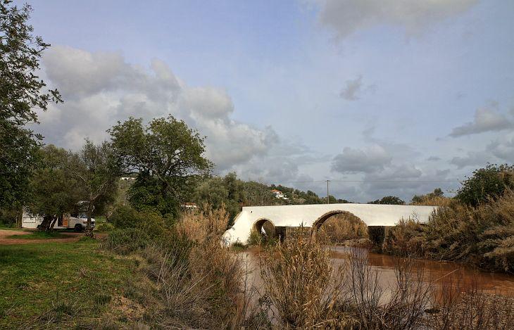Römische Brücke bei Castelhana Tôr