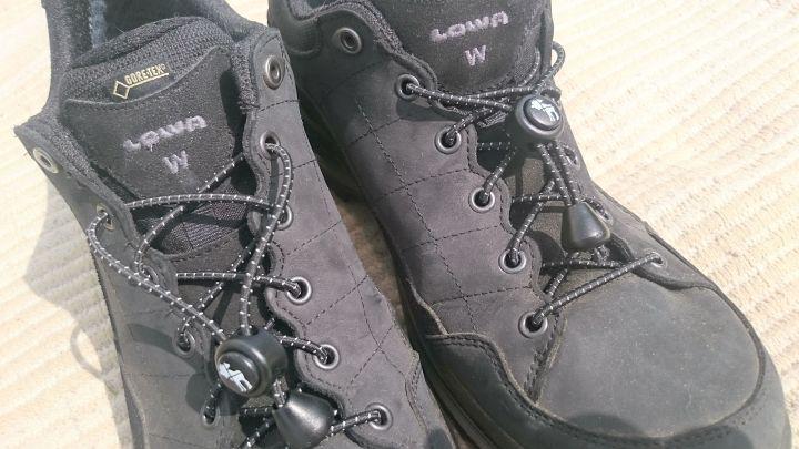 Schleifenlose Schnürsenkel in schwarz