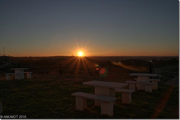 Sonnenuntergang über dem Odeleite Stausee
