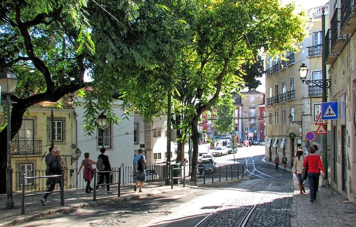 straßenbahnschinen in lissabon