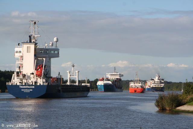 viele schiffe am nok