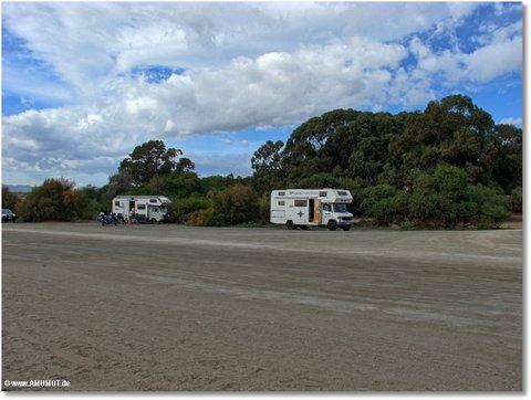 wohnmobile am strand von villaricos