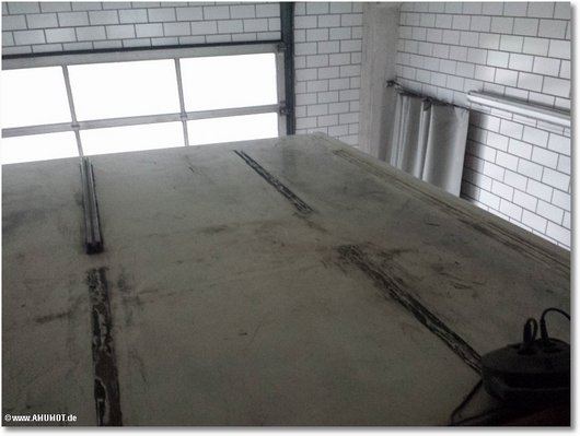 Dach von wohnmobil reparieren