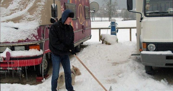 Winterdienst auf dem Wohnmobilstellplatz