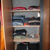 Kleiderschrank im Wohnmobil
