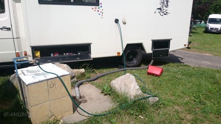 Versorgen und Entsorgen auf dem Campingplatz in Polen