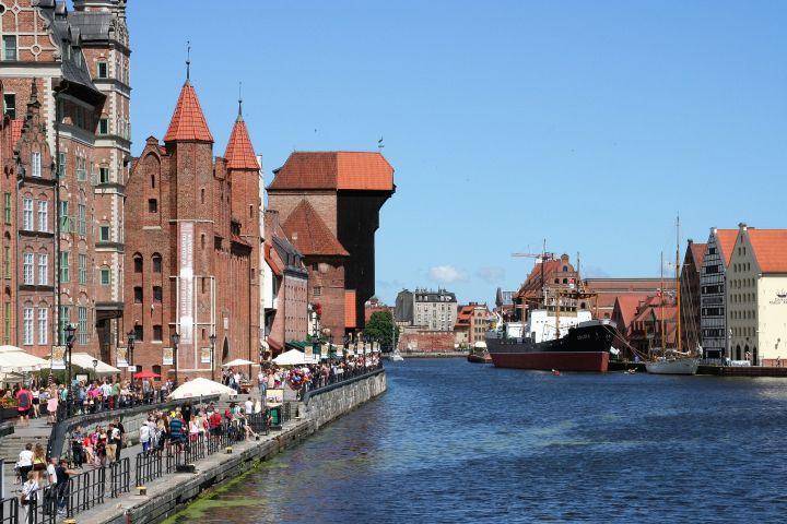 Krantor aus 1363 am Mottlau Hafen