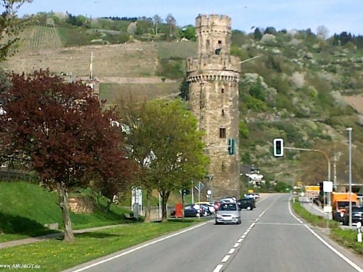 Turm an der B9